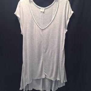 Long V-neck hi-lo T-shirt, light gray, size Large